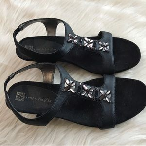 Anne Klein Tandu sandal 8M black jeweled